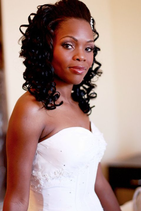 Bi harusi Sophie Nkurlu  Luangisa akimeremeta