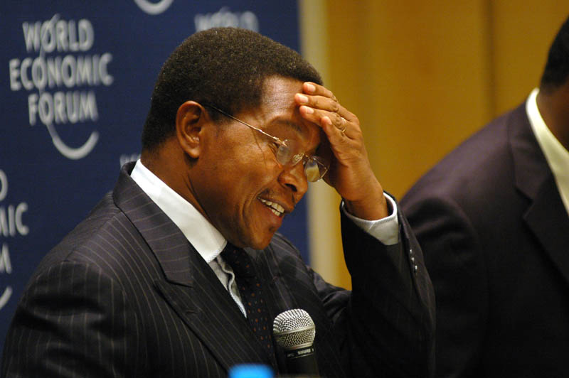 http://sundayshomari.files.wordpress.com/2010/11/kikwete10.jpg